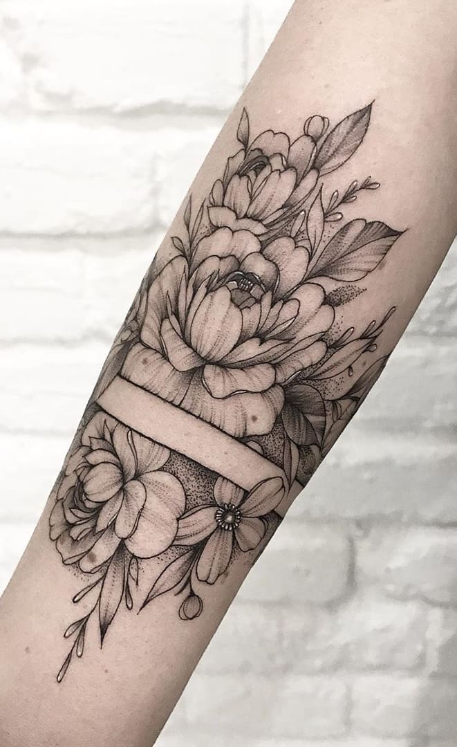 Tatuagens-floridas-no-antebraço-5