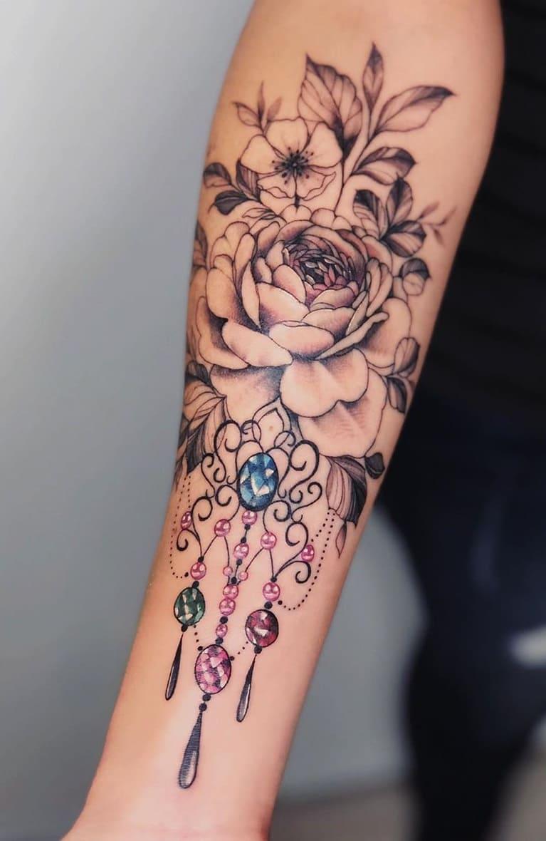 Tatuagens-floridas-no-antebraço-8