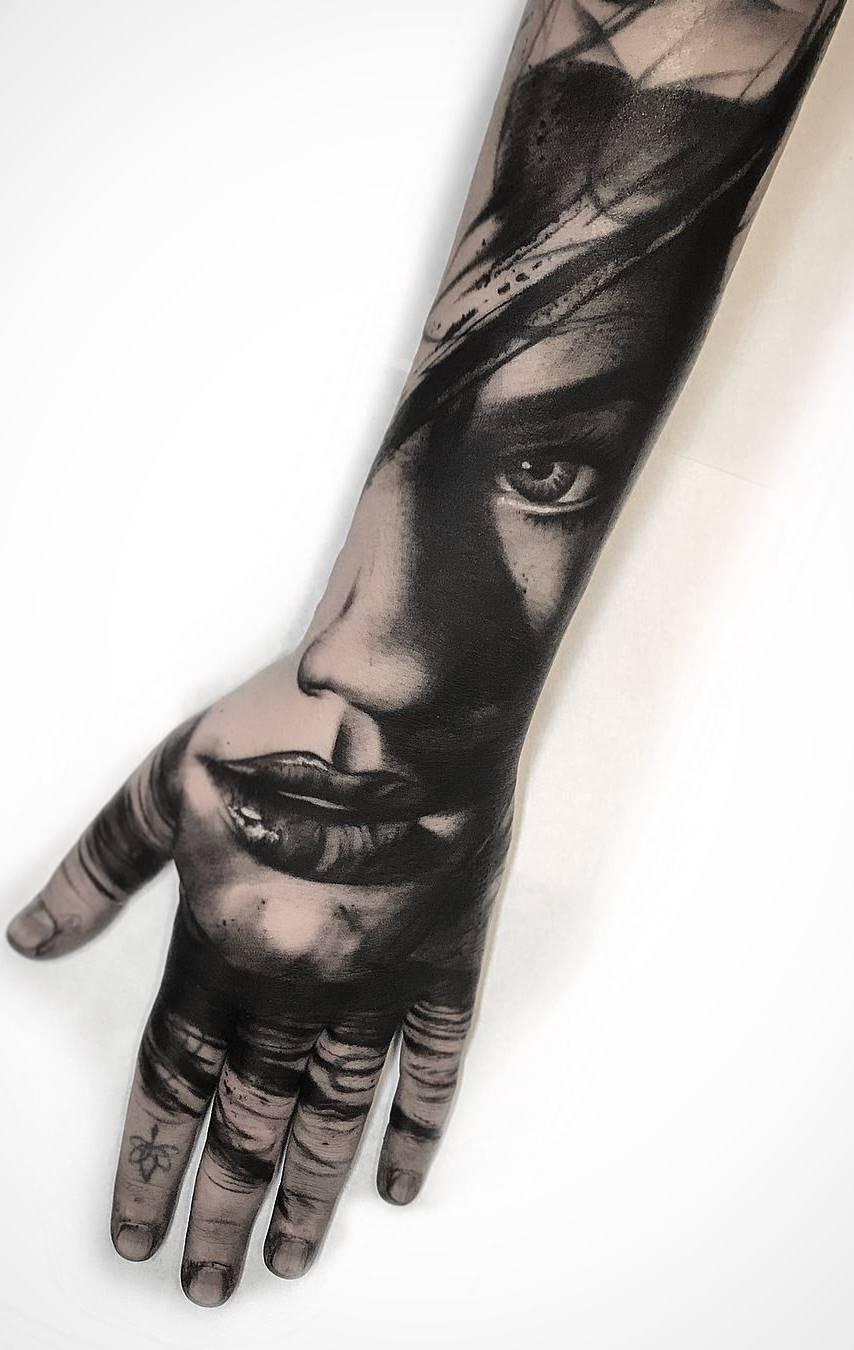 Tatuagens-na-mão-47