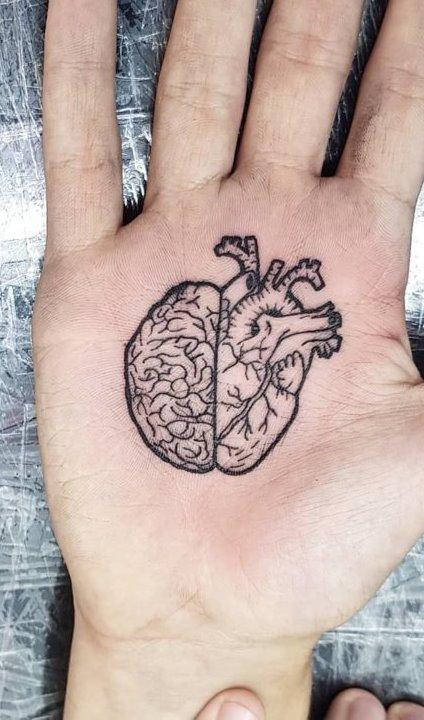 Tatuagens-na-mão-63