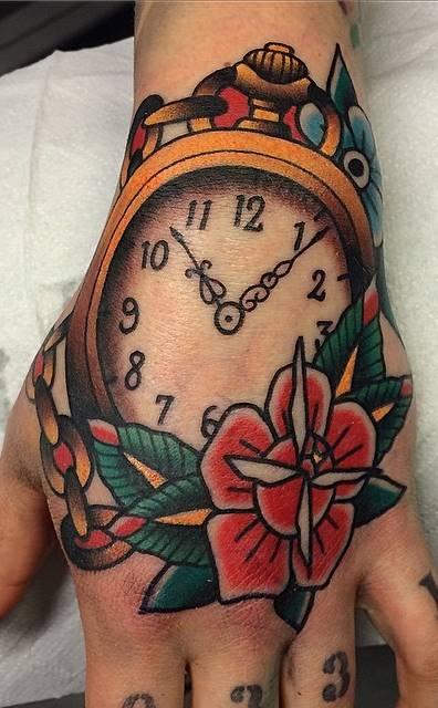 Tatuagens-na-mão-8