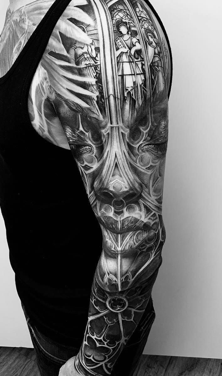 braço-fechado-de-tatuagem