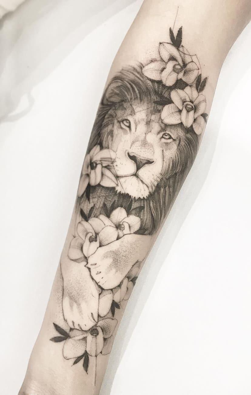 tataugens-femininas-de-leão-no-antebraço-1