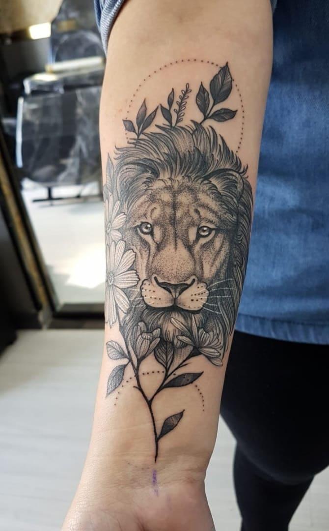 tataugens-femininas-de-leão-no-antebraço-8