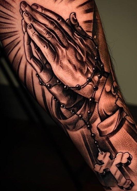 tatuagem-de-duas-mãos-rezando-2