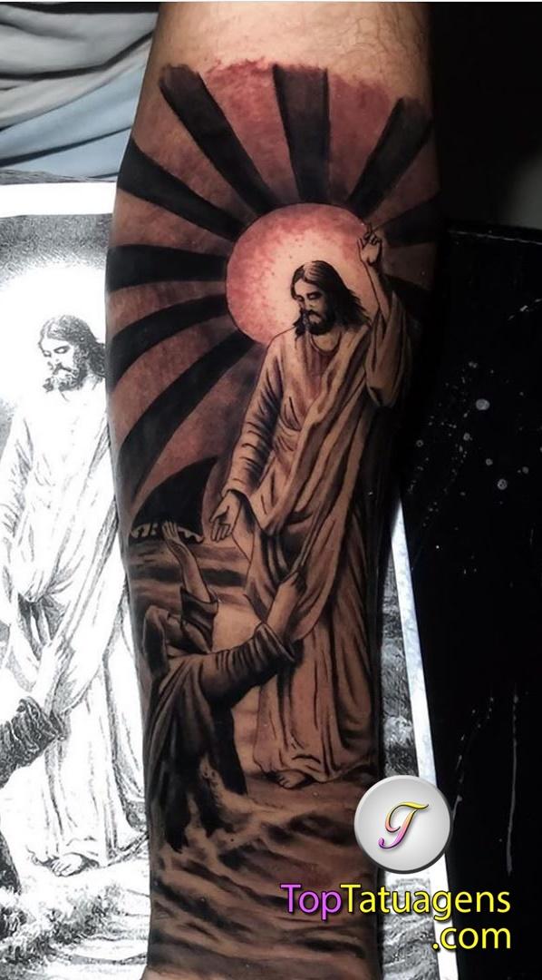 tatuagem-de-jesus-cristo-no-braço
