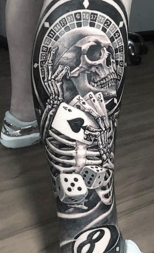 tatuagem-de-jogos-de-azar-na-perna