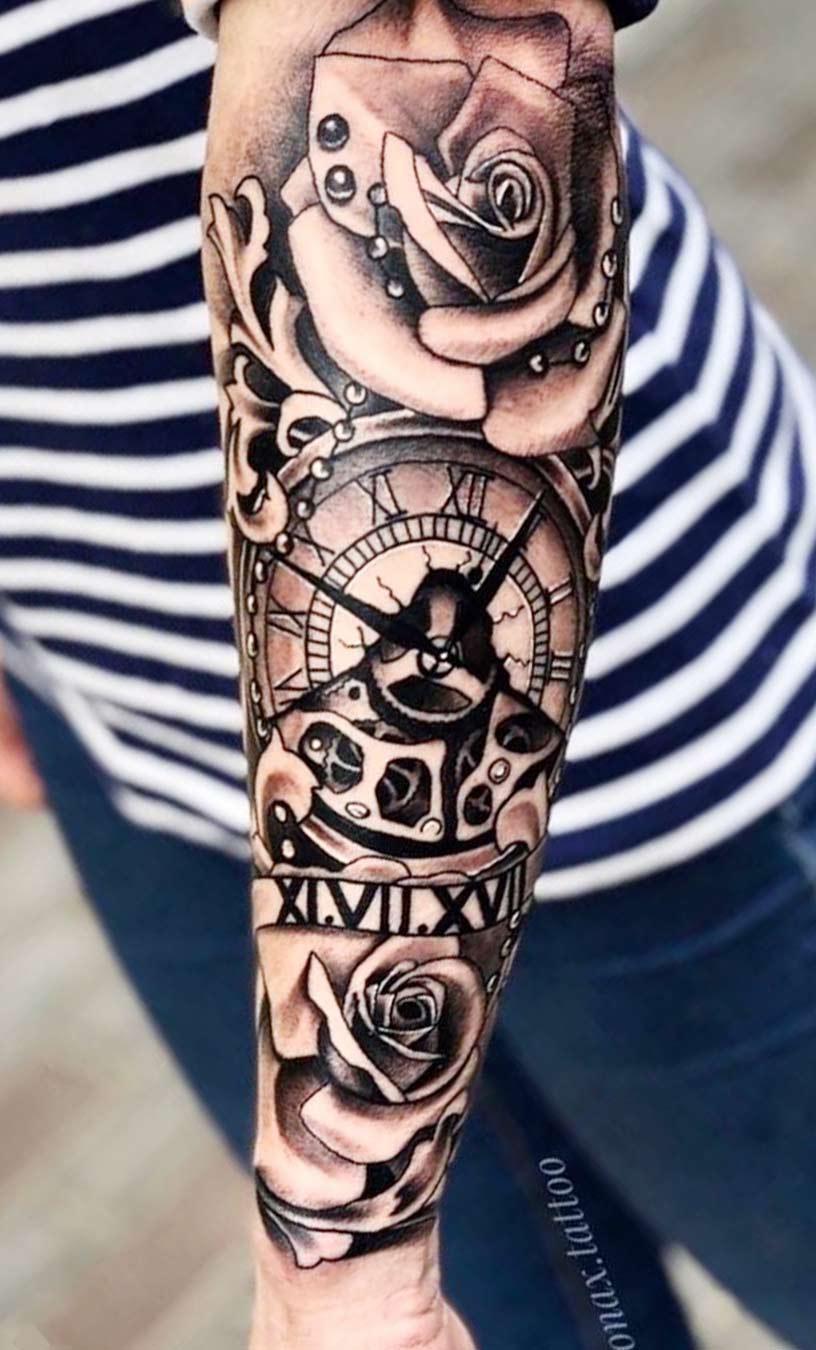 tatuagem-de-relogio-com-rosa-no-antebraco