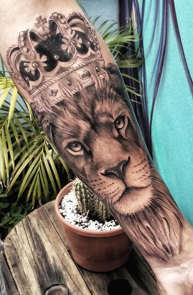 tatuagem-feminina-de-leão-105