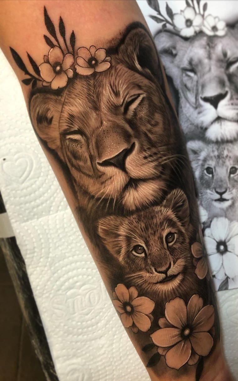 tatuagem-feminina-de-leão-55