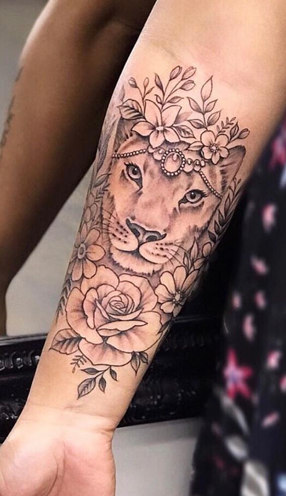 tatuagem-feminina-de-leão-72