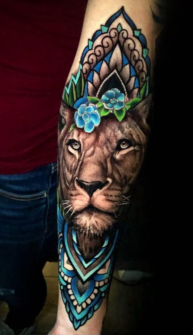 tatuagem-feminina-de-leão-74
