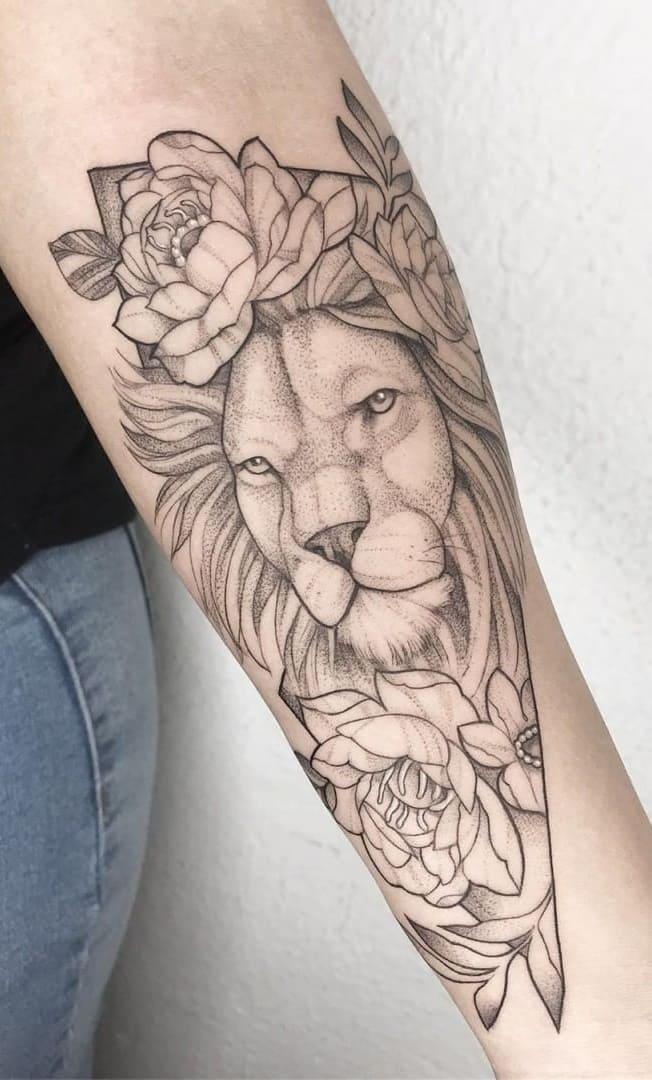 tatuagem-feminina-de-leão-78