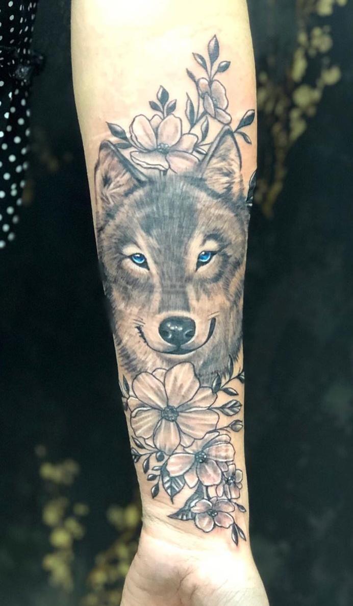 tatuagem-feminina-de-lobo-3