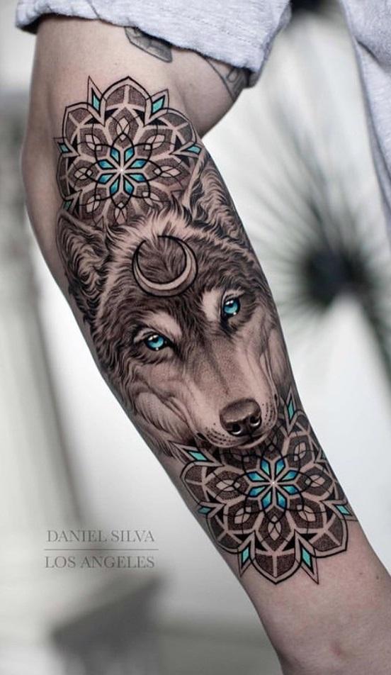 tatuagem-feminina-de-lobo