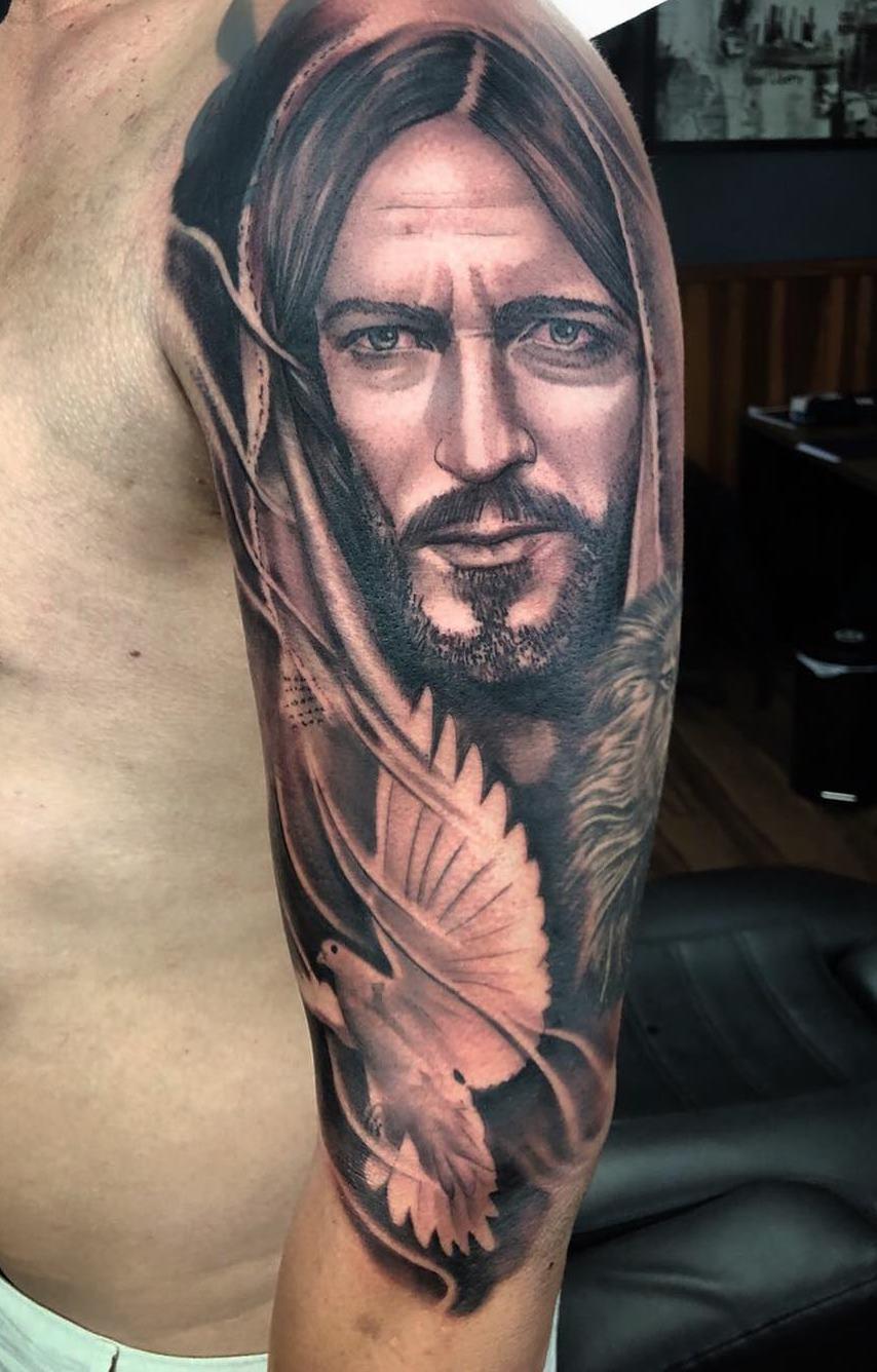 tatuagem-na-parte-superior-do-braço-1