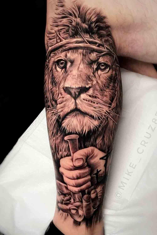 tatuagem-na-perna-de-leao-realista