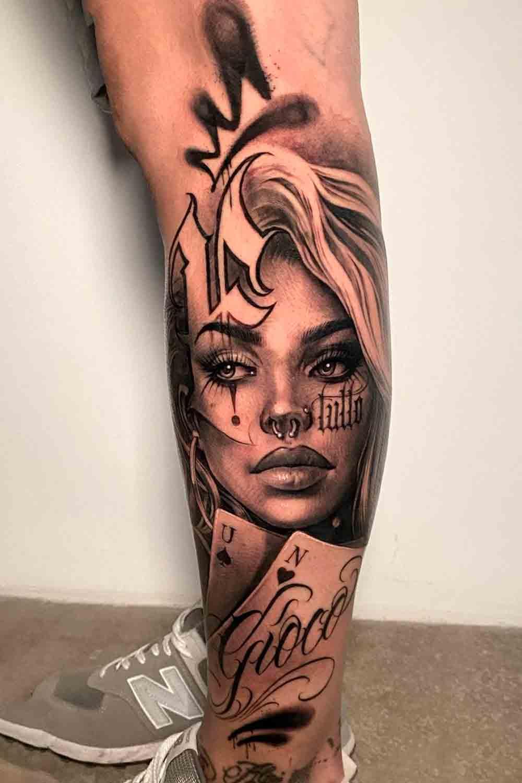 tatuagem-na-perna-de-rosto-de-mulher