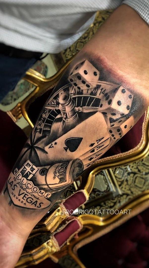 tatuagem-no-antebraço-de-jogos-de-azar