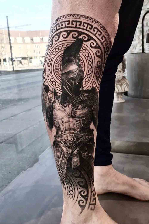 tatuagem-realista-de-gladiador-na-perna