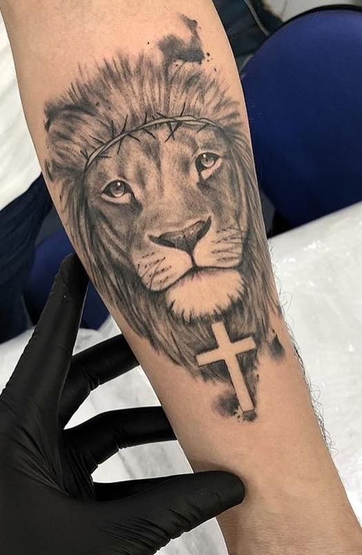 tatuagens-de-leão-masculinas-68