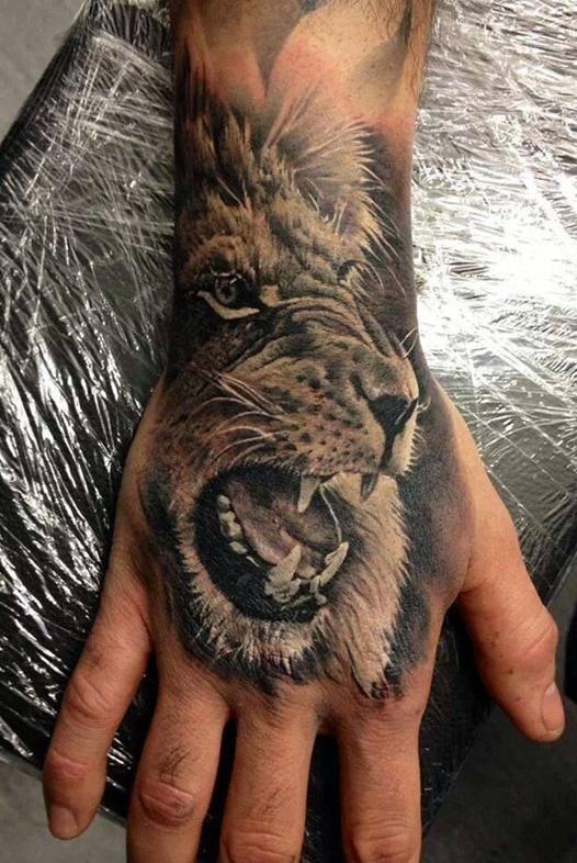 tatuagens-de-leão-masculinas-88