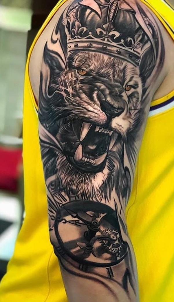 tatuagens-de-leão-masculinas-89