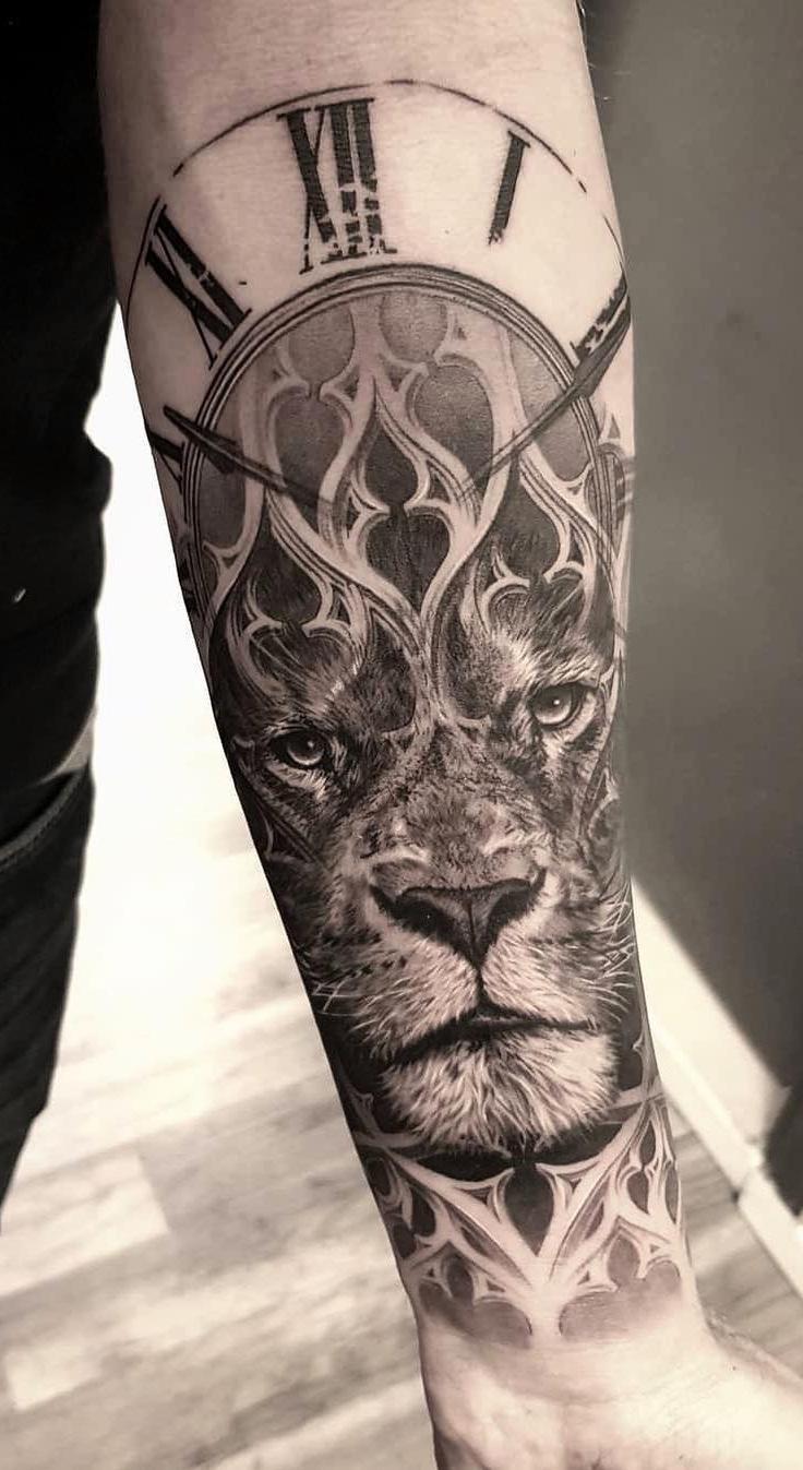 tatuagens-de-leão-masculinas-98