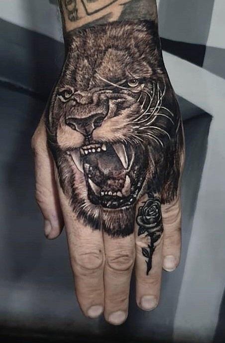 tatuagens-masculinas-na-mão-4