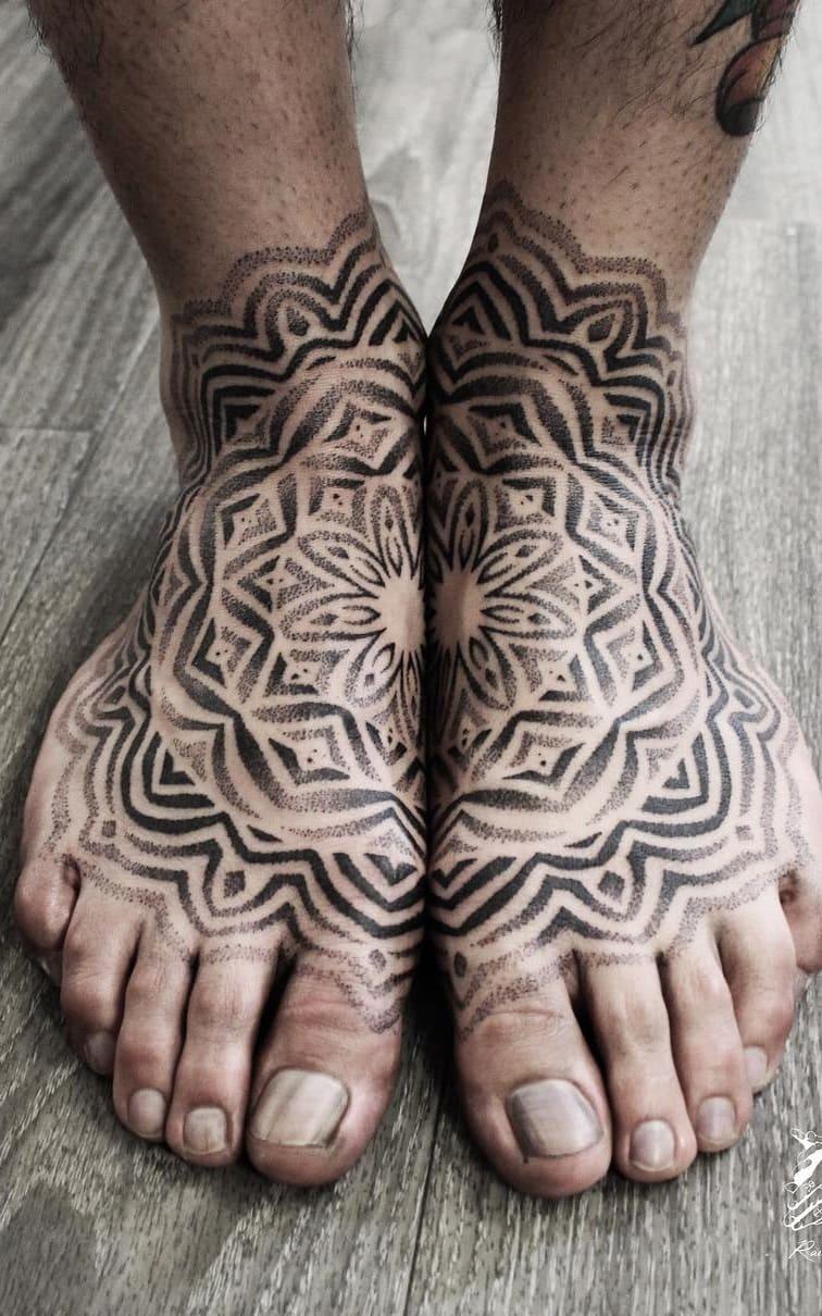 tatuagem-geométrica-no-pé