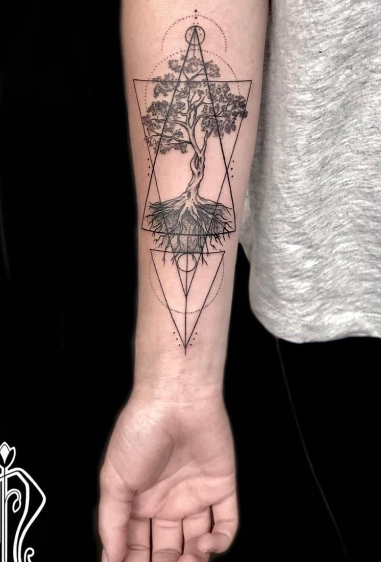 tatuagens-geométricas-no-antebraço-13