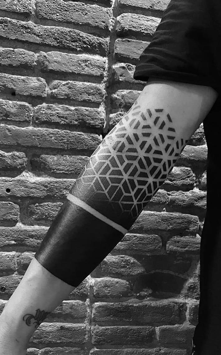 tatuagens-geométricas-no-antebraço-2