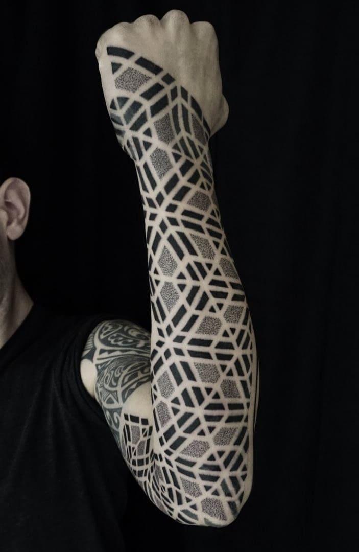 tatuagens-geométricas-no-antebraço-3