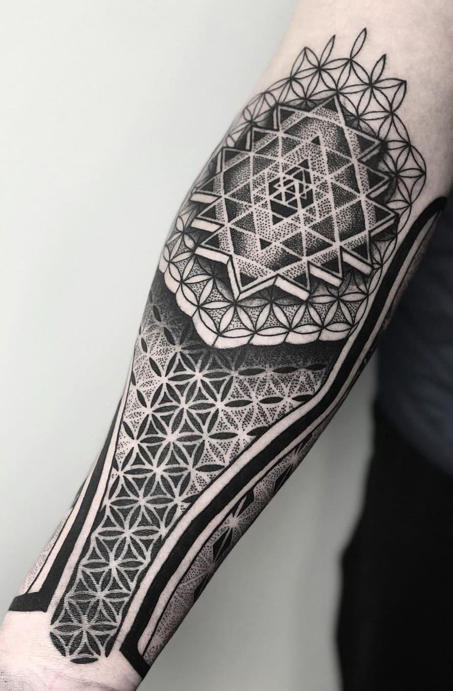 tatuagens-geométricas-no-antebraço-6