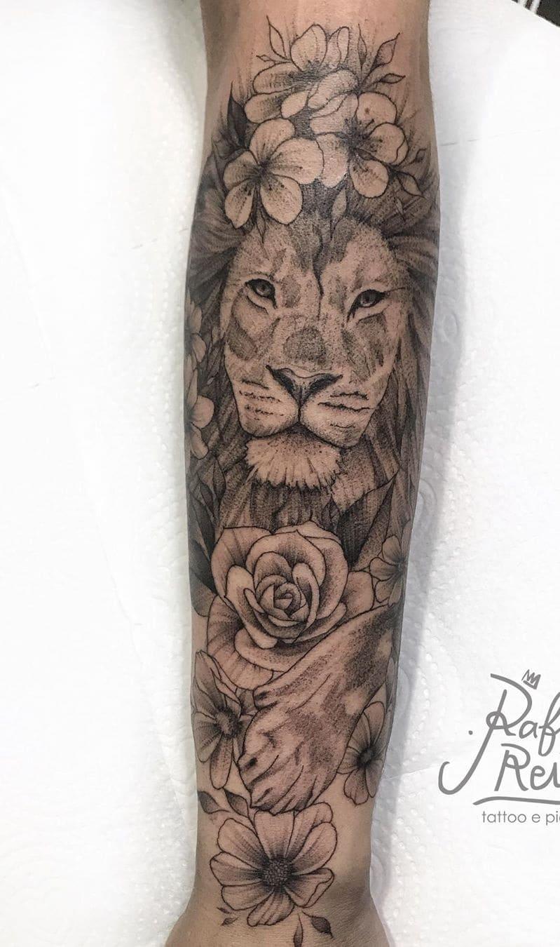 fotos-de-tatuagens-de-leão-femininas-10