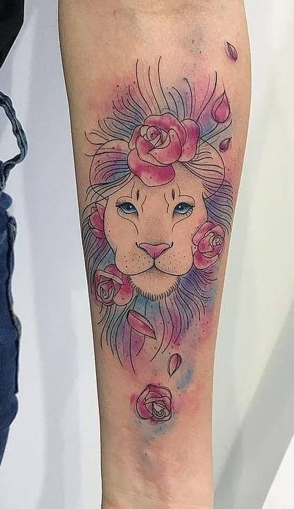 fotos-de-tatuagens-de-leão-femininas-11