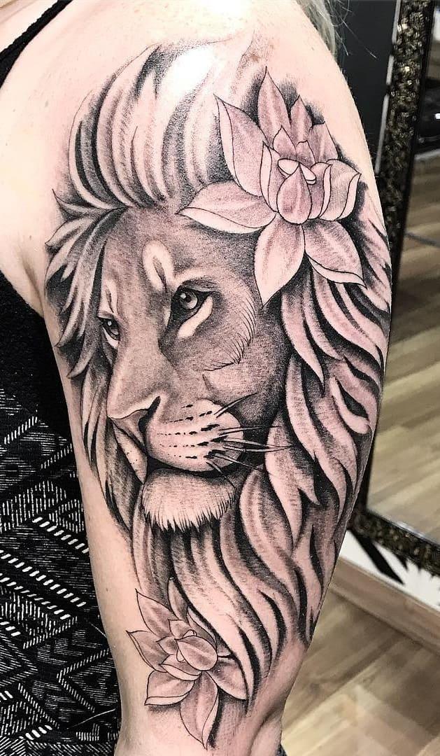 fotos-de-tatuagens-de-leão-femininas-16