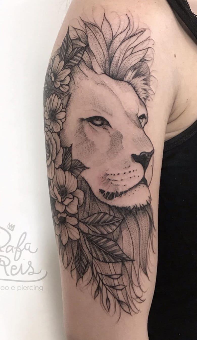 fotos-de-tatuagens-de-leão-femininas-18