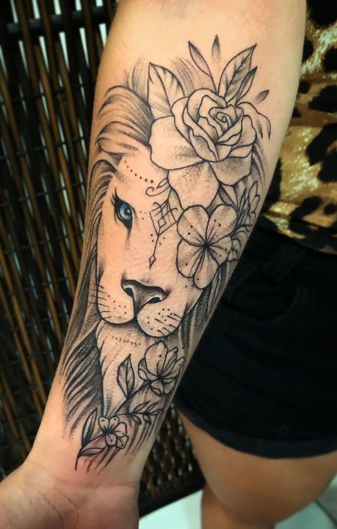 fotos-de-tatuagens-de-leão-femininas-20