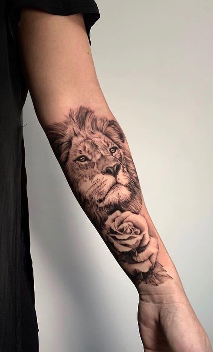 fotos-de-tatuagens-de-leão-femininas-22