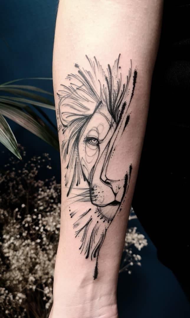 fotos-de-tatuagens-de-leão-femininas-3