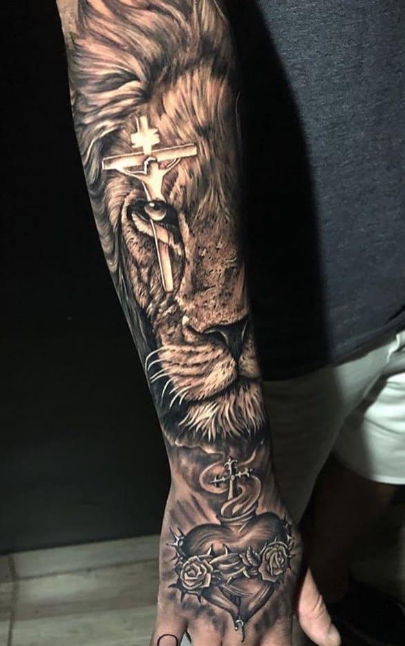 fotos-de-tatuagens-de-leão-masculinas-11