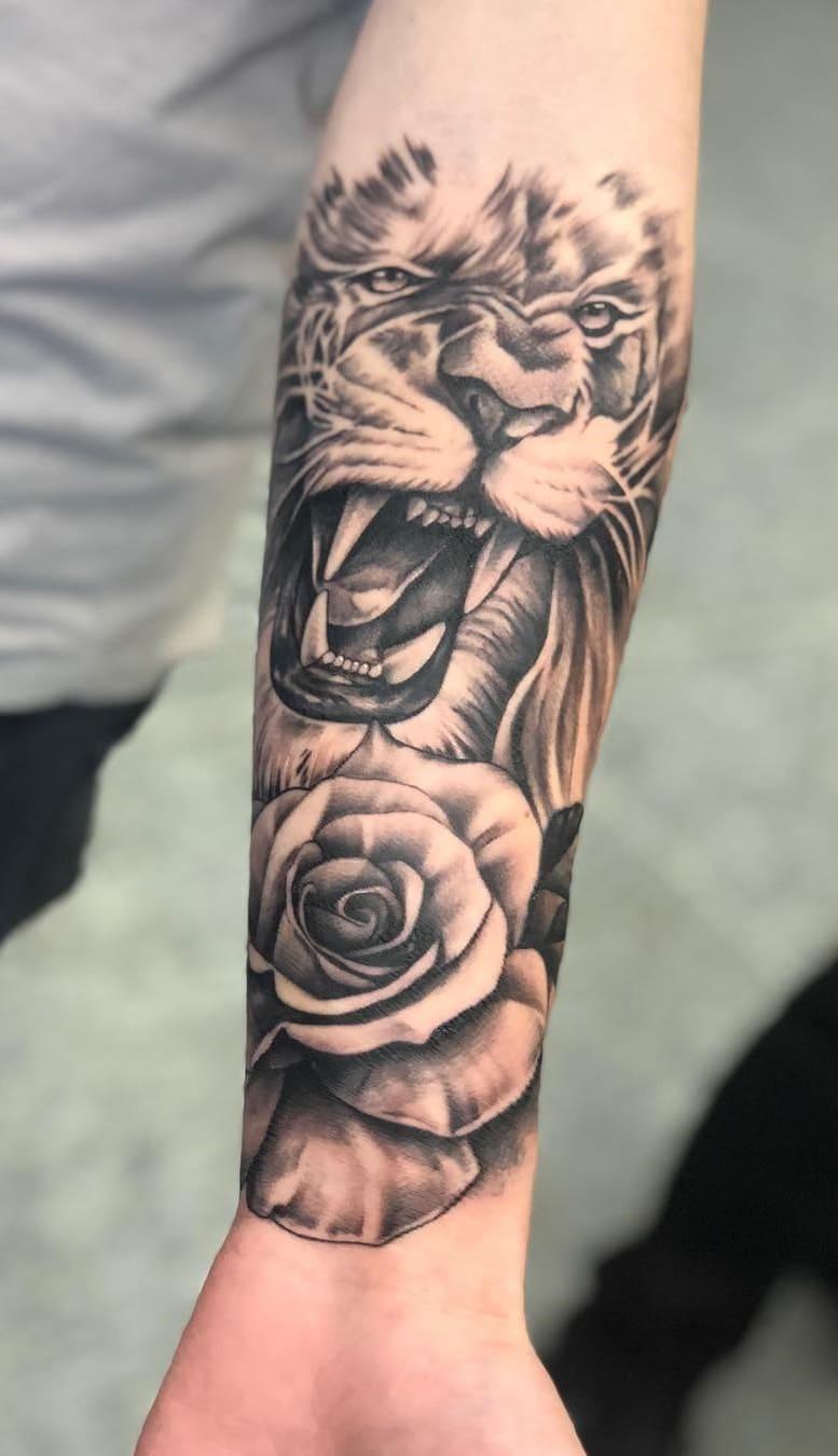 fotos-de-tatuagens-de-leão-masculinas-14