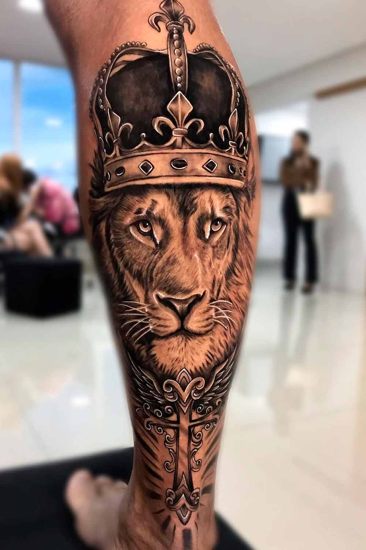 tatuagem-de-leao-na-panturrilha