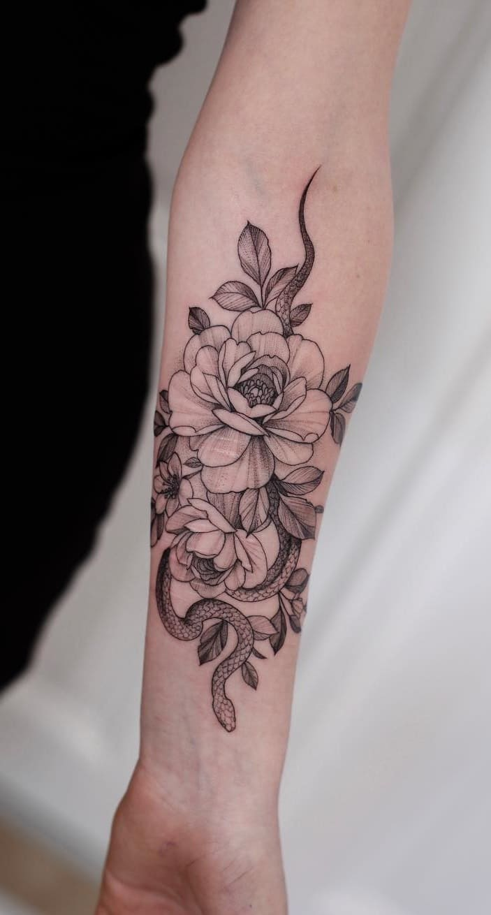 Tatuagem-feminina-no-antebraço-TopTatuagens-24