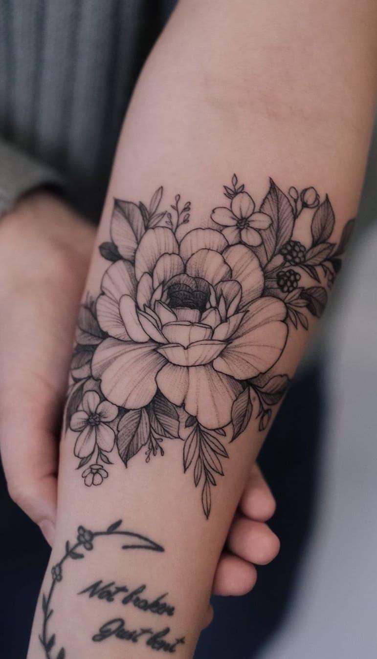Tatuagem-feminina-no-antebraço-TopTatuagens-28