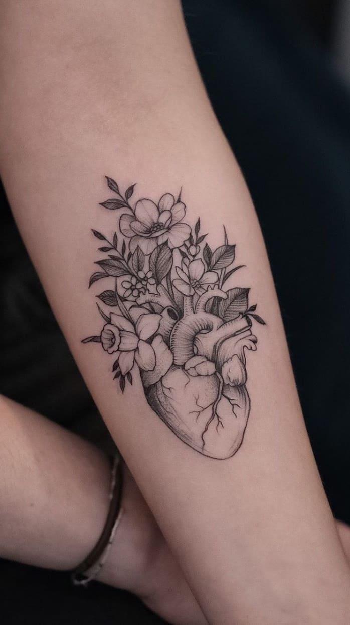 Tatuagem-feminina-no-antebraço-TopTatuagens-3