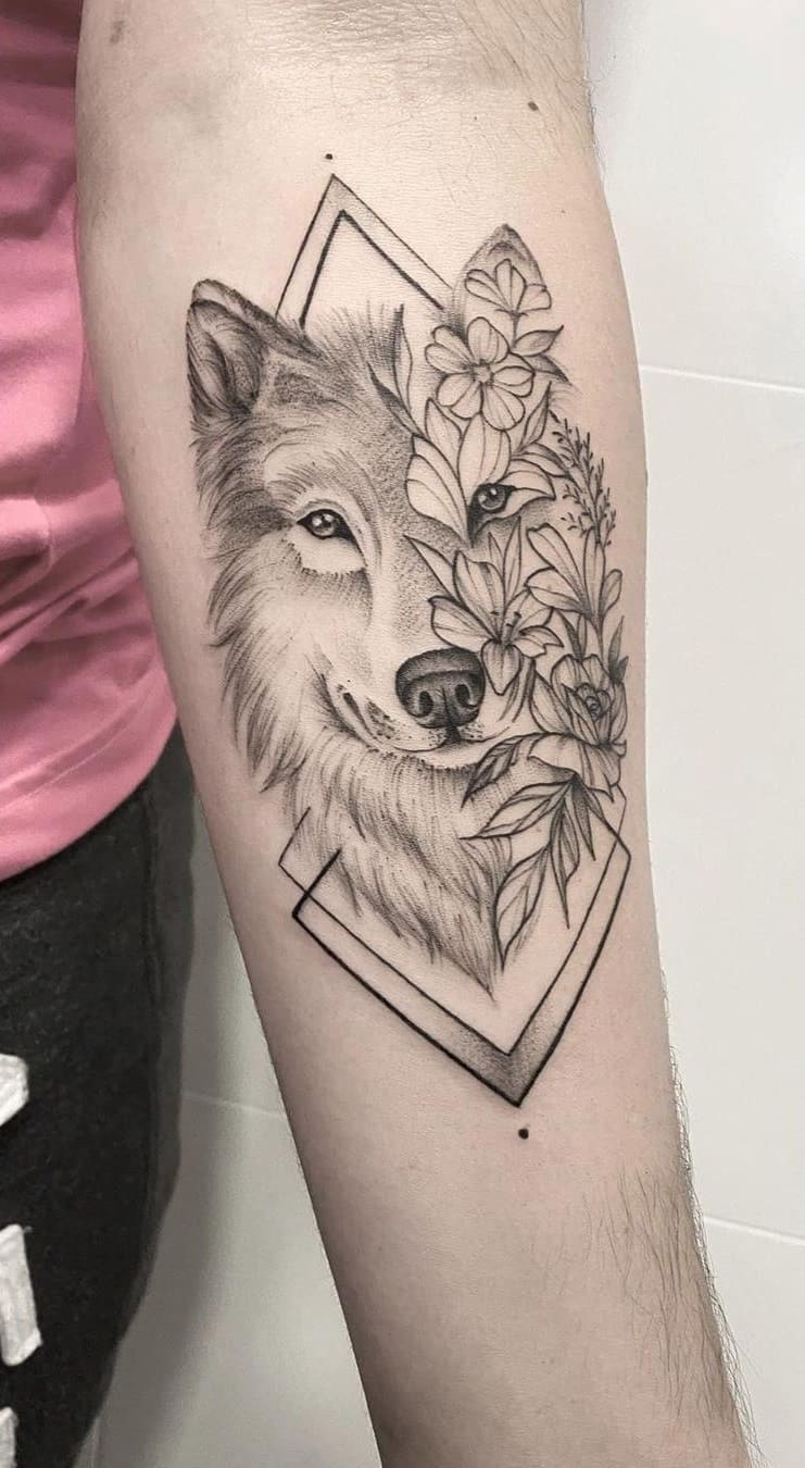 Tatuagem-feminina-no-antebraço-TopTatuagens-32