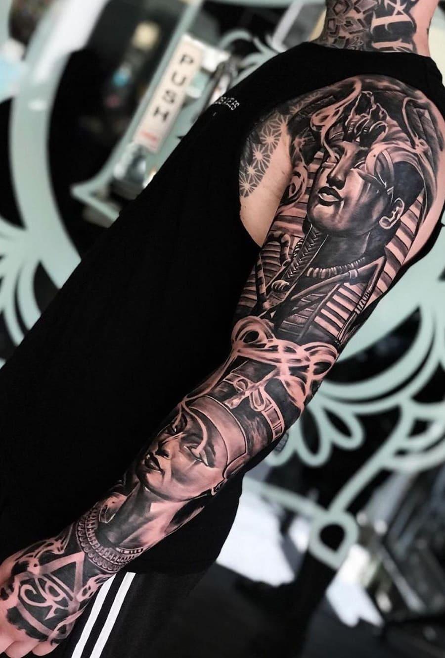 braço-fechado-de-tatuagem-34