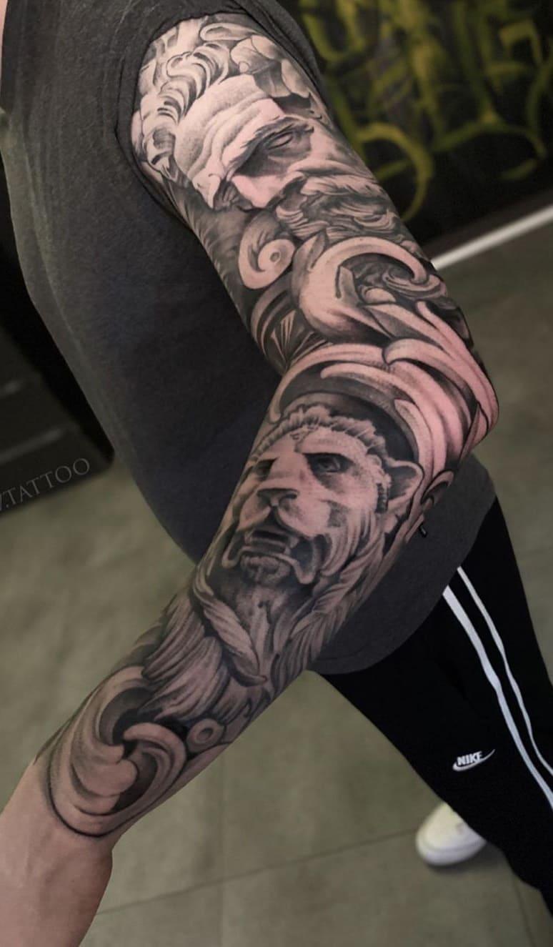 braço-fechado-de-tatuagem-35